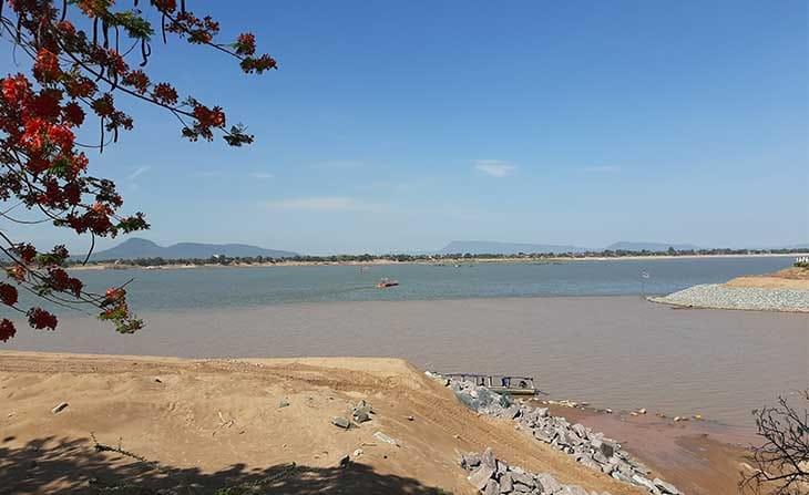 แม่น้ำสองสีปากเซ